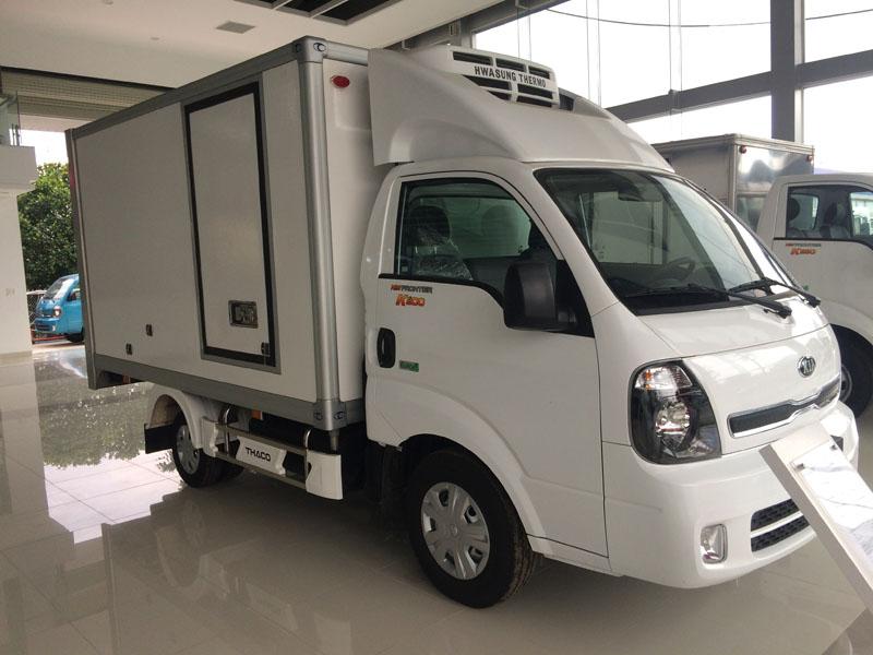 xe tải đông lạnh 2.4 tấn